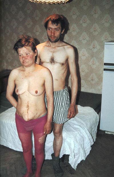 фото голых старых пьяных бомжих